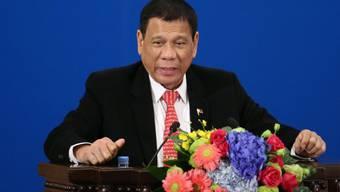 Der umstrittene Präsident der Philippinen, Rodrigo Duterte, soll gegenüber den USA erklären, was er mit seiner beabsichtigten Abkehr von den USA meint. Das fordert das US-Ausseministerium.