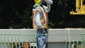Ein US-Bauarbeiter gönnt sich eine Pause (Symbolbild)