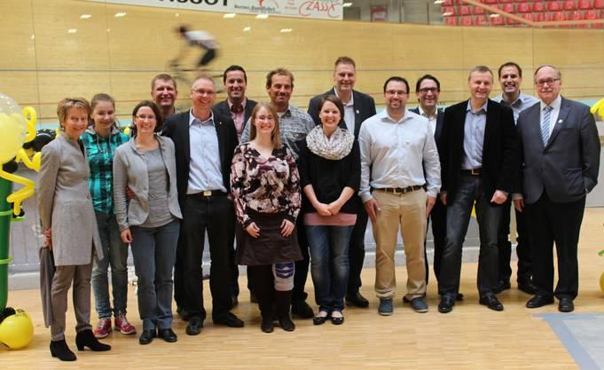 BDP Alt Bundesrätin Eveline Widmer-Schlumpf und BDP Alt Bundesrat Samuel Schmid, BDP Nationalrat Bernhard Guhl mit dem Vorstand  und Team der BDP Kanton Solothurn