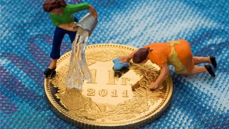 Die straflose Selbstanzeige ist wohl definitiv der sinnvollere Weg, sein Schwarzgeld «reinzuwaschen». Symbolbild