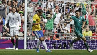 Mexikos Oribe Peralta schiesst im Olympiafinal in London gegen Brasilien das schnellste Tor der Olympia-Geschichte, nämlich nach nur 29 Sekunden