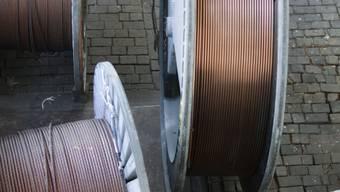 Unglaubliche sieben Tonnen Kupferkabel wurden aus einer Lagerhalle gestohlen. (Symbolbild)