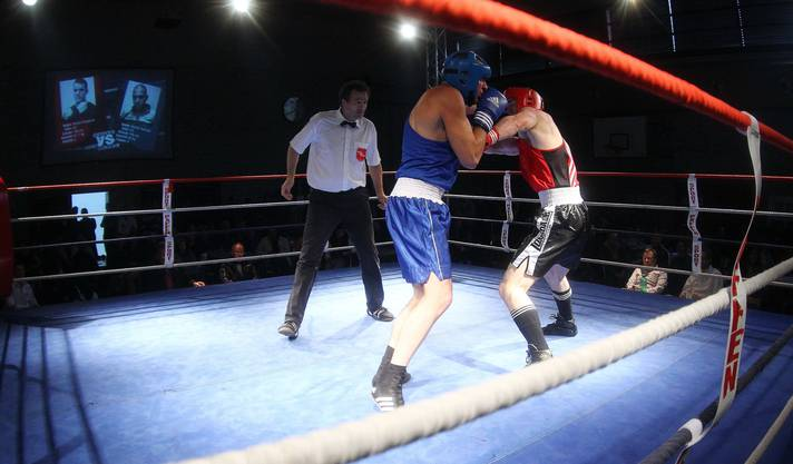Stefan Rumpold (rot) gegen Semih Temizer