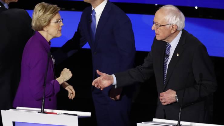 Kein Händedrücken: Die Stimmung zwischen Warren und Sanders scheint angespannt zu sein.