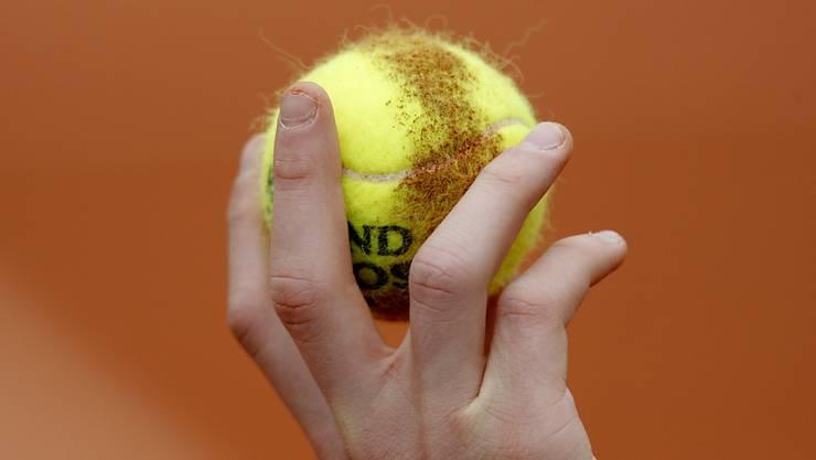 Viele Tennis-Begeisterte in der Schweiz müssen derzeit wegen der Coronavirus-Pandemie auf ihr Hobby verzichten