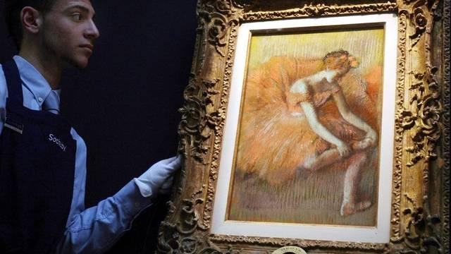 Bei einer Auktion wurde ein vor 37 Jahren gestohlenes Gemälde wiedererkannt (Symbolbild)