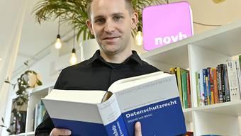 Max Schrems, Datenschutzaktivist, in seinem Büro in Wien. Foto: Hans Punz/APA/dpa
