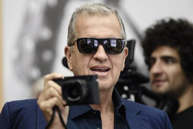 Der peruanische Star-Fotograf Mario Testino.