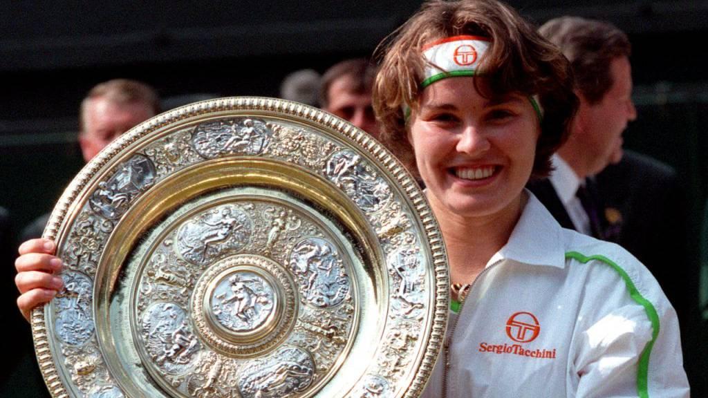 Martina Hingis feiert ersten und einzigen Wimbledon-Sieg