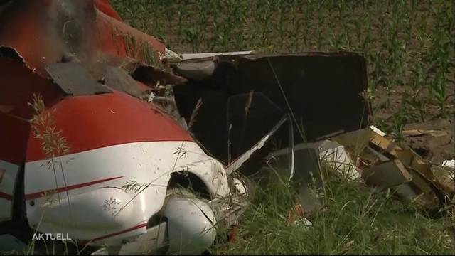 Tragisches Unglück: Flugzeug stürzt nahe der Grenze ab