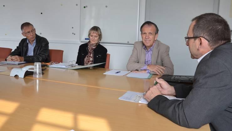 Urs Pilgrim, Präsident MuriKultur, Caroline Muff, Stiftungsratsmitglied MuriKultur, Gemeinderat Heinz Nater und Gemeindeammann Josef Etterlin (von links). (es)