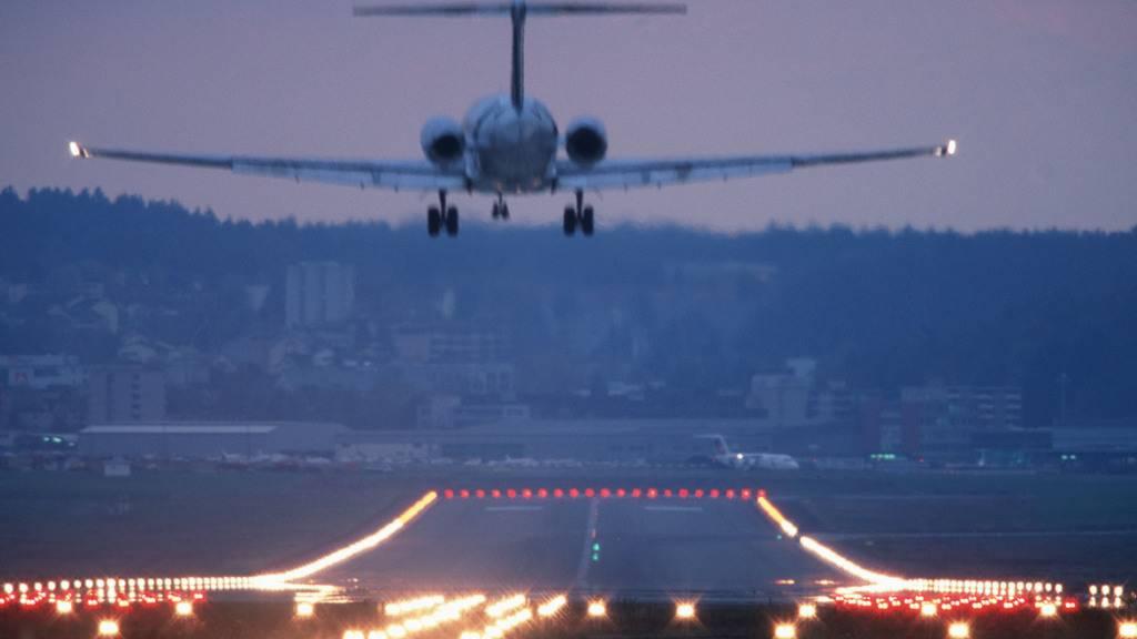 Nächtlicher Fluglärm erhöht das Risiko eines Herz-Kreislauf-Todes.