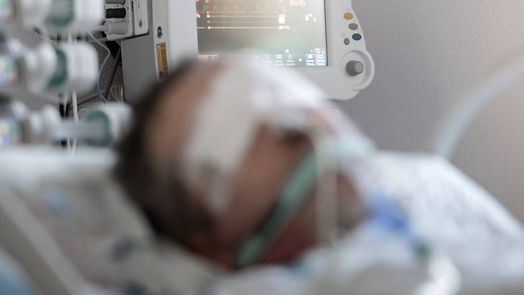Spitäler wappnen sich für mehr Corona-Patienten