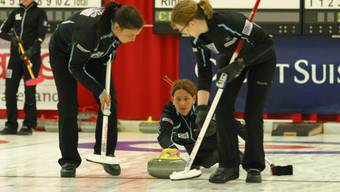 Im Curlingzentrum Arlesheim wird wieder Top-Curling geboten. (Im Bild:Curling Team Davos im Halbfinale gegen China am Sonntag, 9. Oktober 2011 in Arlesheim).