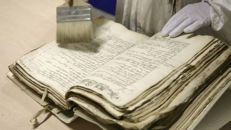 Die alten Dokumente der «Papieri» werden nun archiviert. (Symbolbild)