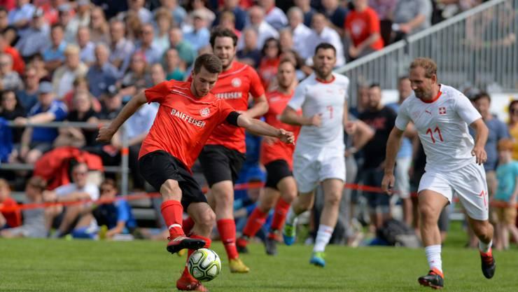Der HSV spielte vor voller Tribüne gegen die Suisse Legends.