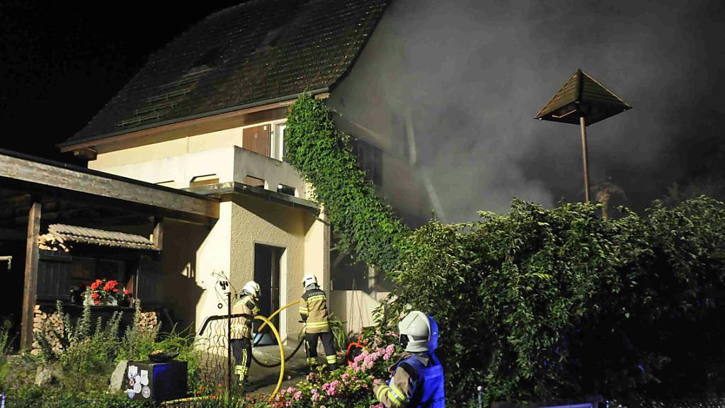 Starker Rauch und ein Sachschaden von einigen 10'000 Franken: Ein defekter Boiler im Keller verursachte Brand in Einfamilienhaus in Gunzgen SO.