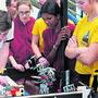 Am Samstag sind die «Space Girls» aus Liestal das einzige reine Mädchen-Team am intensiven Wettbewerb an der Fachhochschule Nordwestschweiz in Brugg-Windisch.