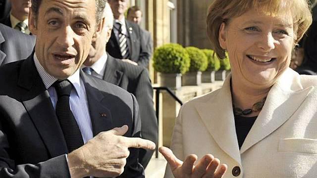 Sarkozy und Merkel fordern Reformen