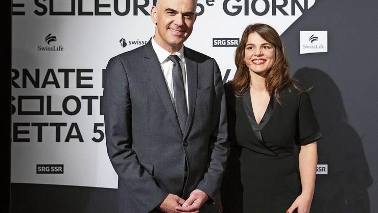 Kulturminister Bundesrat Alain Berset zusammen mit Anita Hugi bei der Eröffnung der 55.Solothurner Filmtage.