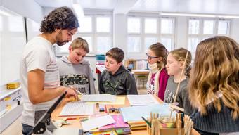 Aargauer Lehrerinnen und Lehrer sollen mehr verdienen. Das ist berechtigt, aller Kritik zum Trotz. (Symbolbild)