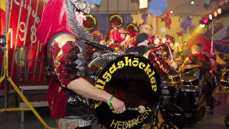 Zürcher Guggenmusiker heizen Aargauer heftig ein