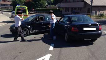 Die Unfallverursacherin wurde mit der Ambulanz ins Spital gebracht.