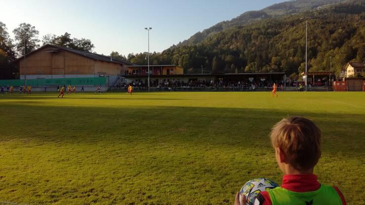 Der FC Wohlen bezwingt den SC Goldau und ist dank dem Sieg neuer Spitzenreiter.