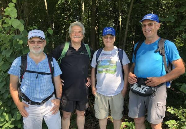 Vier fleissige Herren: (v.l.n.r.) Markus, Franz, Werni und Bruno waren bei allen 15 Etappen mit dabei. Chapeau!
