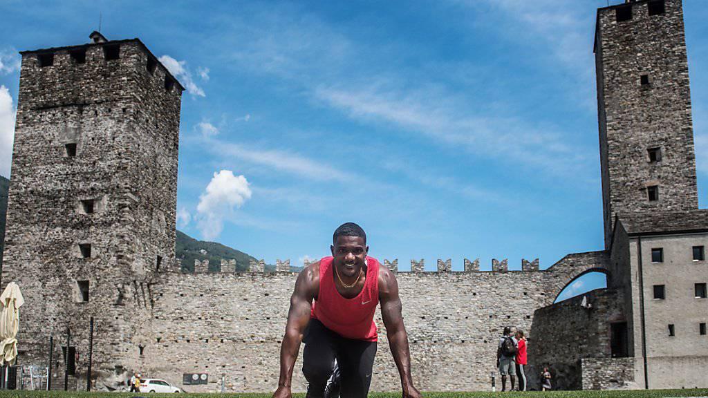 Dem Weltmeister scheint es im Tessin zu gefallen: Im letzten Jahr posierte Justin Gatlin vor dem Castelgrande in Bellinzona
