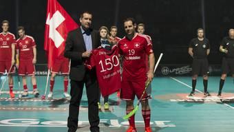Matthias Hofbauer ist zurück: An der WM 2014 wurde er für 150 Länderspiele geehrt.