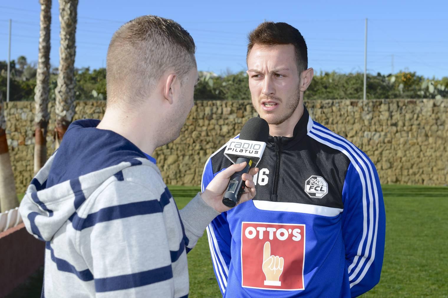 Radio Pilatus-Sportchef Sämi Deubelbeiss im Gespräch mit dem neuen FCL-Spieler François Affolter.