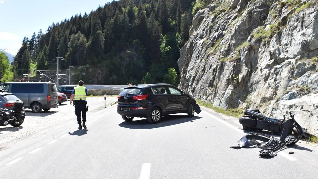Sumvitg: Auto mit Töff kollidiert