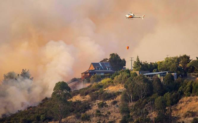 In der Stadt, die bei einem Erdbeben im Jahr 2011 schwer zerstört worden war, brannten mindestens elf Häuser nieder.