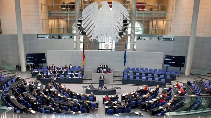 Der Deutsche Bundestag: Quirin Weber analysiert, wie viele Entscheidungen noch im Parlament getroffen werden. MAURIZIO GAMBARINi/Keystone