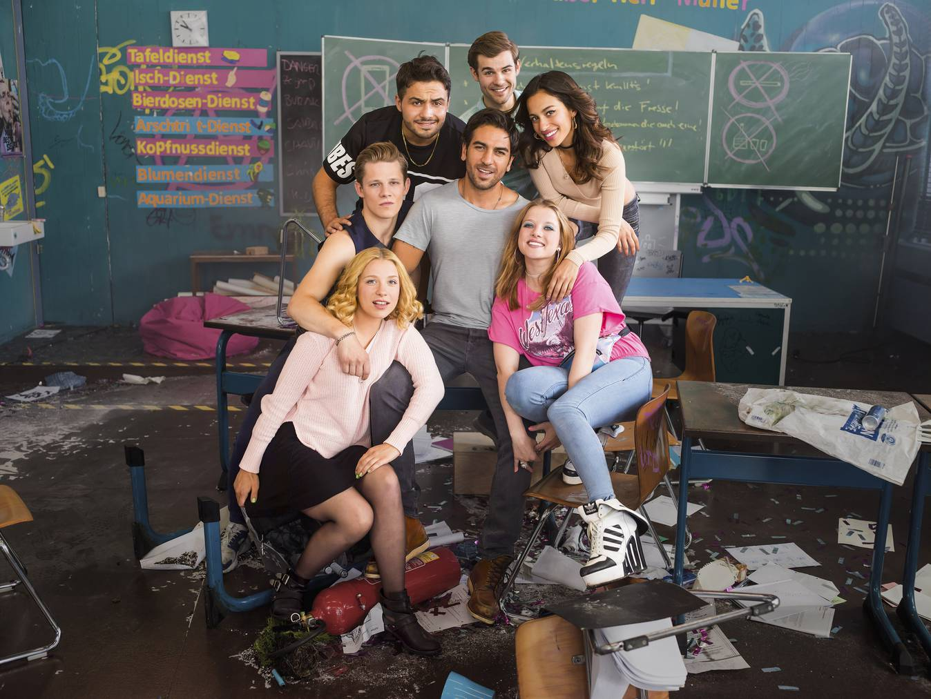 Elyas M'Barek (Mitte) und seine Crew im Film «Fack Ju Göhte 3».