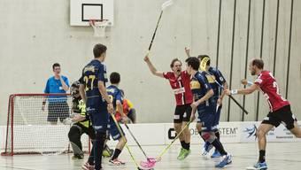 Die Unihockeyaner von Basel Regio dürfen sich über drei wichtige Punkte im Kampf um einen Playoffplatz freuen.