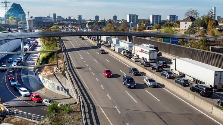 Die Westring-Projektskizze sieht vor, dass die Autobahn den Raum Hagnau (im Bild) dereinst unterirdisch mit der Nordtangente verbindet. (Archivbild)