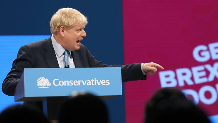 Der britische Premierminister Boris Johnson hat am Mittwoch in seiner Abschlussrede am Tory-Parteitag in Manchester die EU vor ein Ultimatum gestellt: Entweder nimmt die EU seinen neuen Brexit-Plan an, oder es gibt einen No-Deal-Brexit.