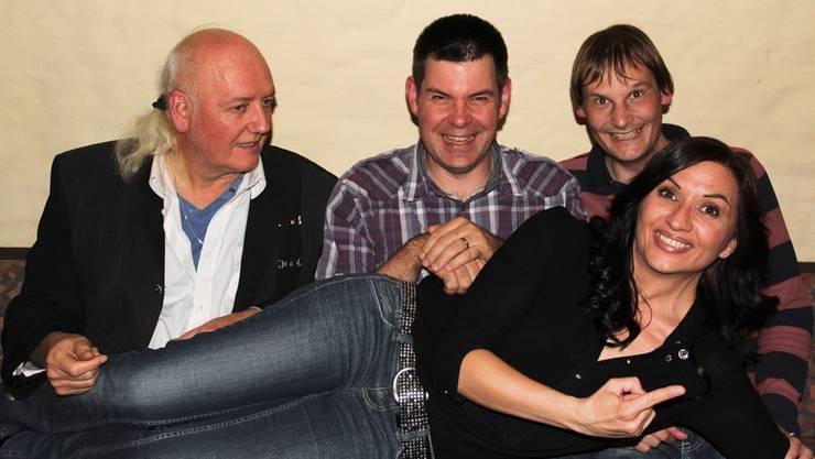 Tim & Struppi mit (v.l.) Gogo Frei, Tschändu Muhmenthaler, Dani Knechtli und liegend Bianca Castafiore alias MoniMoni. zVg