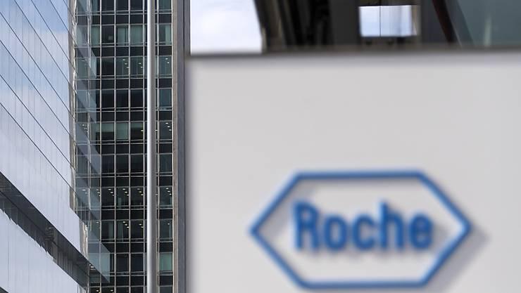 Roche greift beim Immunonkologie-Unternehmen Tusk Therapeutics zu. Zunächst bezahlt der Basler Pharmakonzern 70 Millionen Franken. Erreicht Tusk gewisse Ziele, könnte noch deutlich mehr Geld fliessen. (Archiv)
