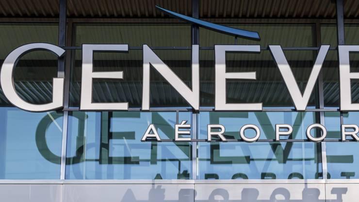 Eine Korruptionsaffäre erschütterte 2018 den Flughafen Genf. Betroffen ist der Sicherheitsdienst. (Archivbild)