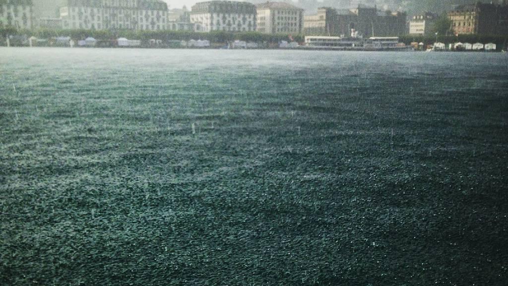 Sonne, Regen und Gewitter an Pfingsten