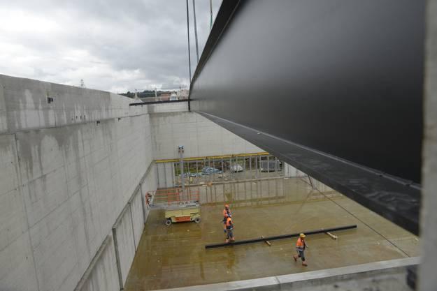Turnhalle Muehlematt Biberist 33 m Stahlträger  001