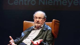 Salman Rushdie ist der Stargast der diesjährigen Frankfurter Buchmesse: Wegen der Anwesenheit des britisch-indischen Schriftstellers hat der Iran seine Teilnahme abgesagt (Archiv).