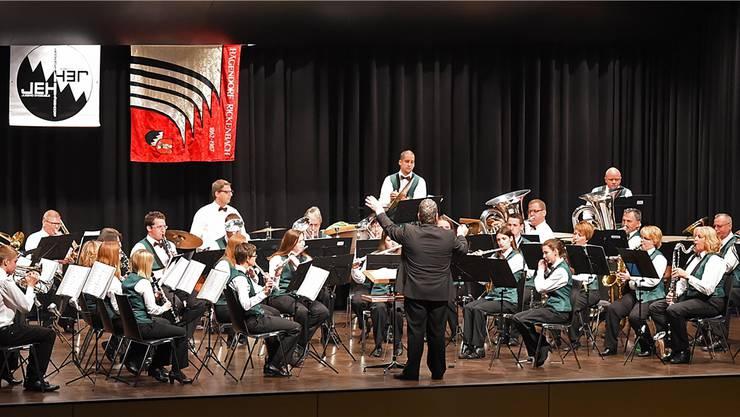 Die Musikgesellschaft Hägendorf-Rickenbach bei ihrem Jahreskonzert unter der Leitung von Oliver Waldmann.