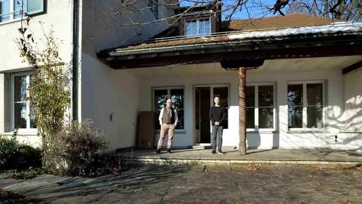 Stephan Oberli, Gesamtleiter Discherheim und Kym Siegenthaler, Leiter der neuen Wohngruppe im Steingrubenquartier (v.l.).