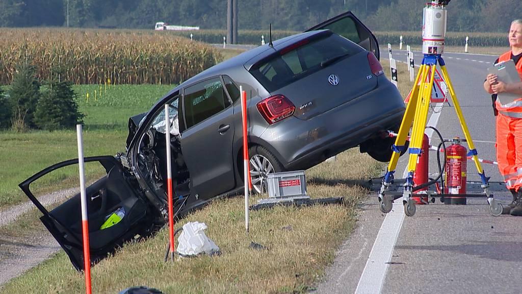 Rafz: 23-jähriger Autofahrer kommt bei Verkehrsunfall ums Leben
