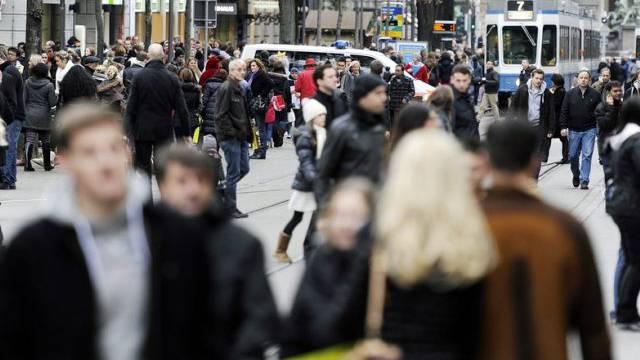 2013 lebten 8'139'600 Menschen in der Schweiz (Symbolbild)