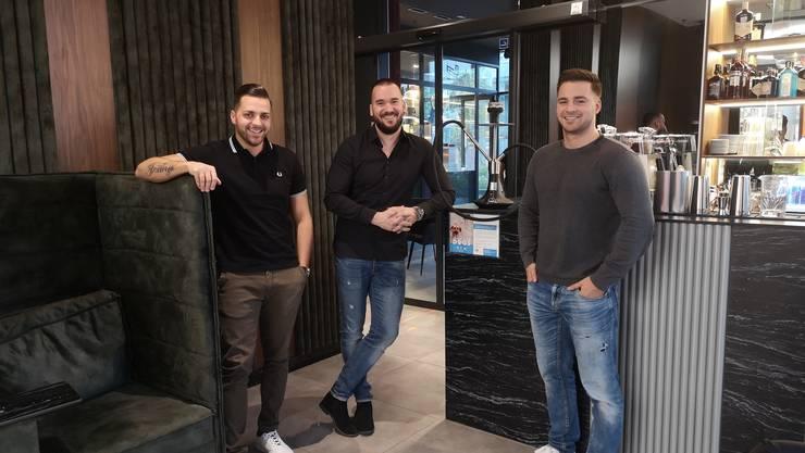 Tomislav Bajo, Adrian Gashi und Daniel Schnyder (v. l.) im «Chez Nous».